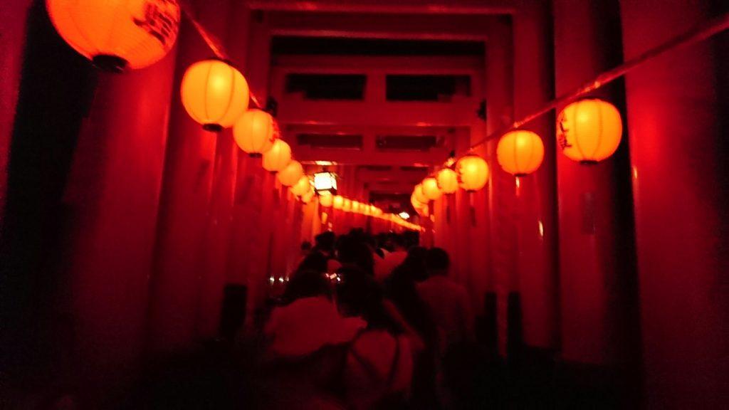 伏見稲荷大社本宮祭のライトアップ